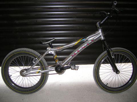 velo trial monty vtt vends les petites annonces biking66 4 0. Black Bedroom Furniture Sets. Home Design Ideas