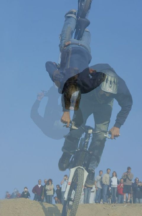 backflip2.jpg - Yann - biking66.com