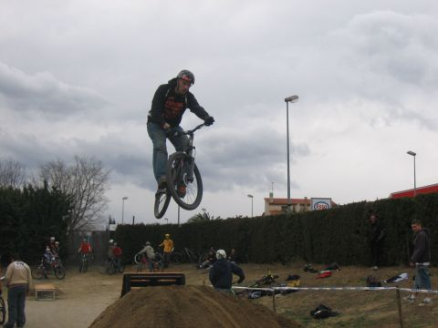 DEMO DIRT 016.jpg - VRINX - biking66.com