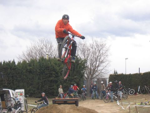 DEMO DIRT 027.jpg - VRINX - biking66.com